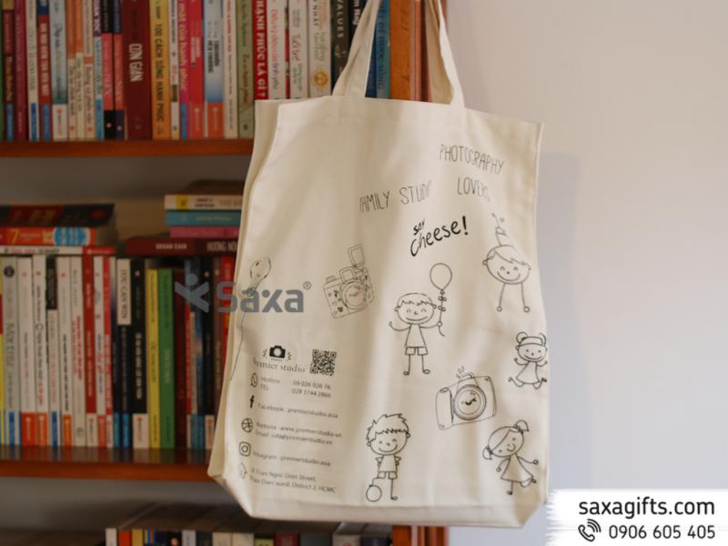 Túi vải canvas trắng có hông in lụa