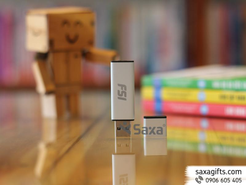 USB nhựa phối màu sang trọng