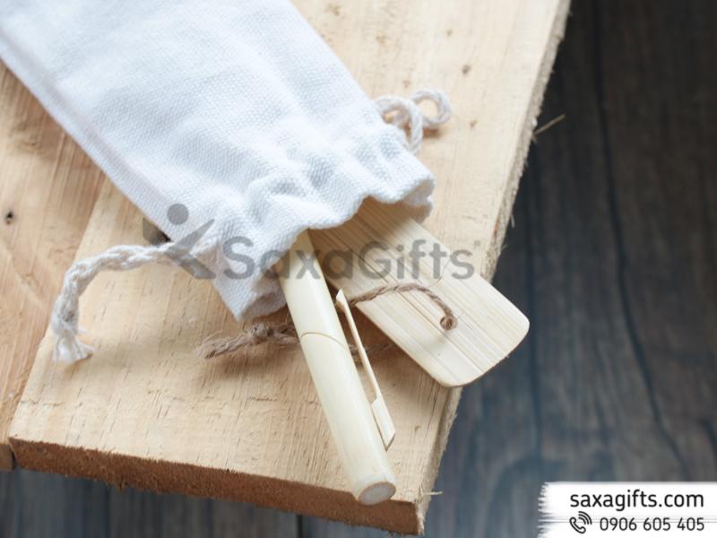 Bộ quà tặng bút tre có giắc cài chéo và thước tre