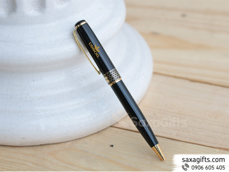 Bút kim loại kiểu xoay, phối họa tiết tổ ong