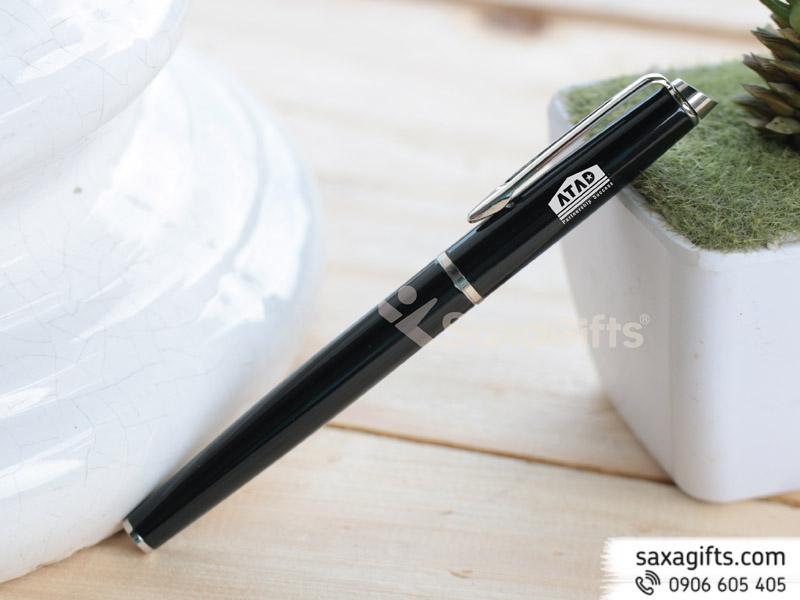 Bút kim loại nắp rời mạ bạc, đầu nắp bút xéo đơn giản