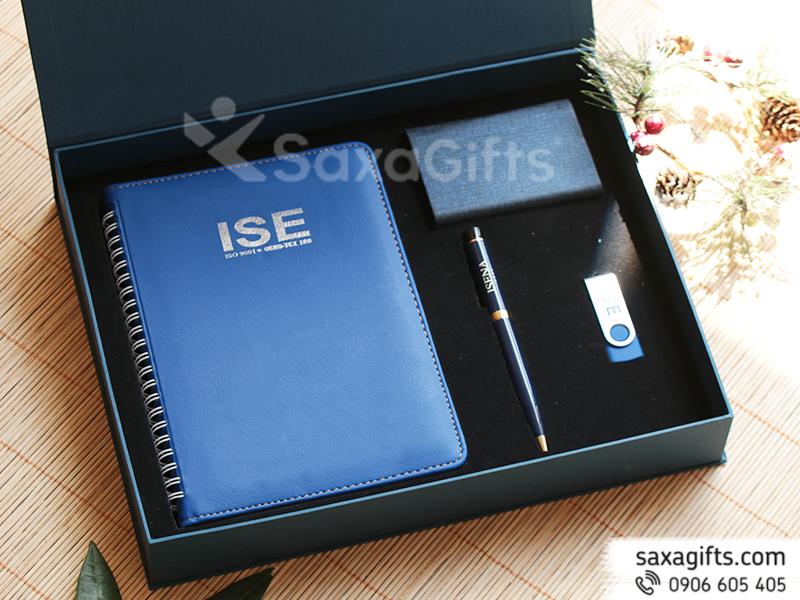 Bộ quà tặng: Sổ, USB, bút kim loại, Hộp Namecard - In logo ISE