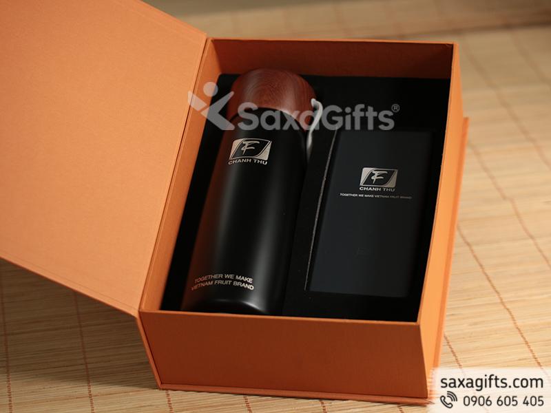 Bộ quà tặng: Bình giữ nhiệt inox 304 và Pin sạc Xiaomi 10.000mah