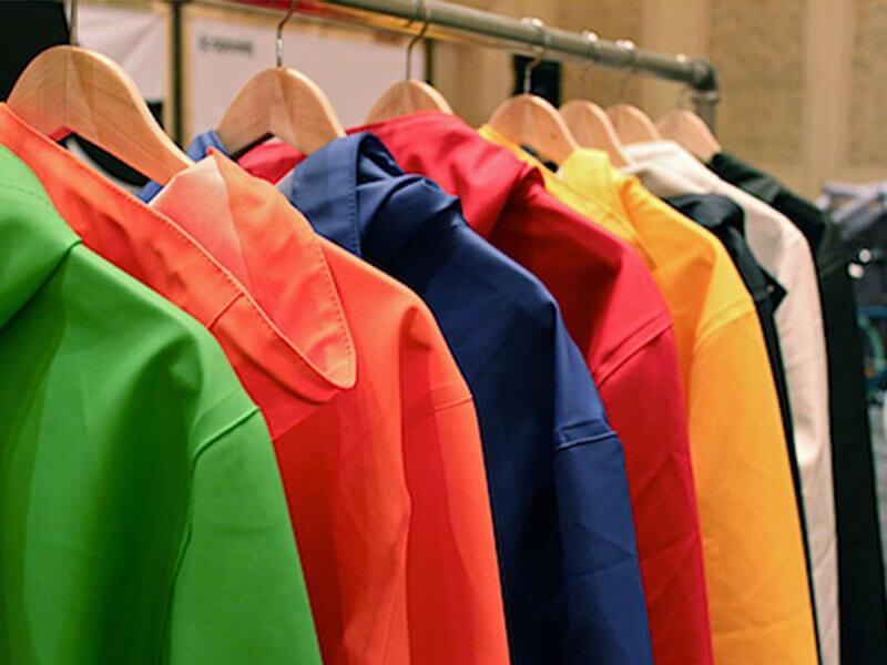 Áo mưa quảng cáo - quà tặng cần thiết trong mùa mưa