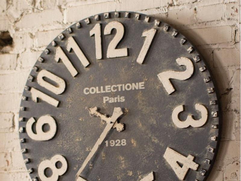 Tại sao dùng đồng hồ treo tường để quảng cáo?