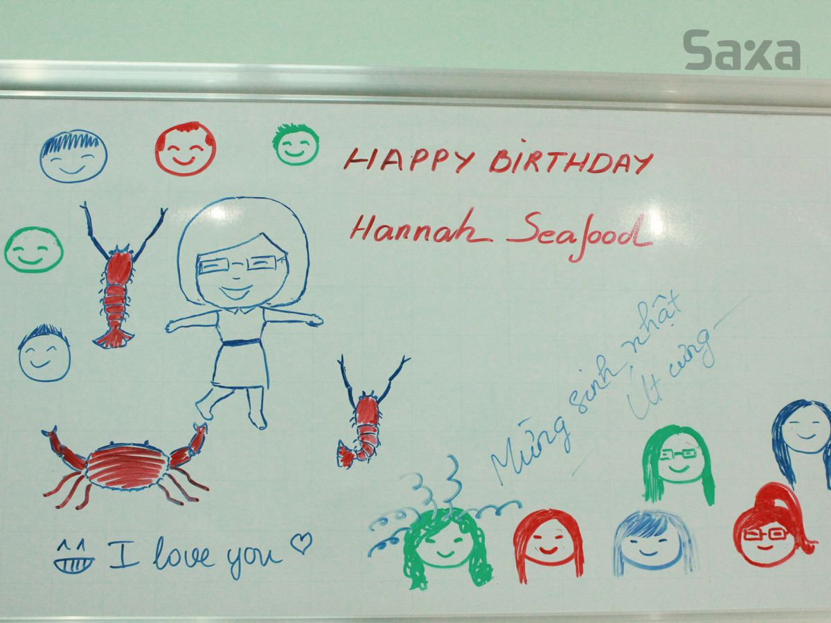 Mừng sinh nhật Hannah Seafood 11-8