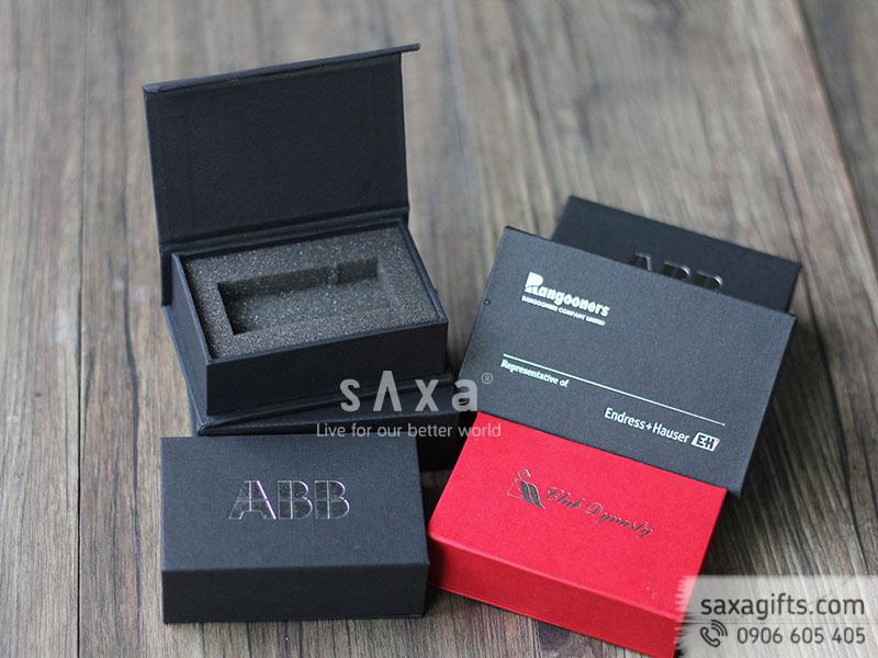 Hộp quà giấy mỹ thuật đựng usb - bên trong có khuôn mút định hình theo sản phẩm