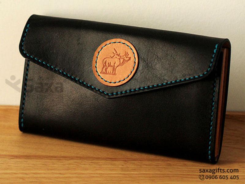 Ví da in logo cho nữ - Kiểu ví đựng tiền cầm tay, có nút bấm