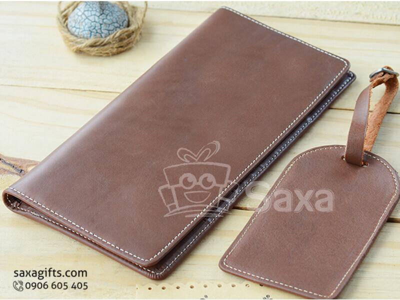 Bộ giftset văn phòng in logo bằng da gồm ví cầm tay + thẻ da hành lý