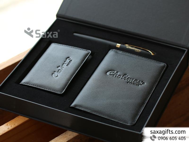 Bộ quà tặng Cholimex: bút kim loại, ví passport, ví namecard da