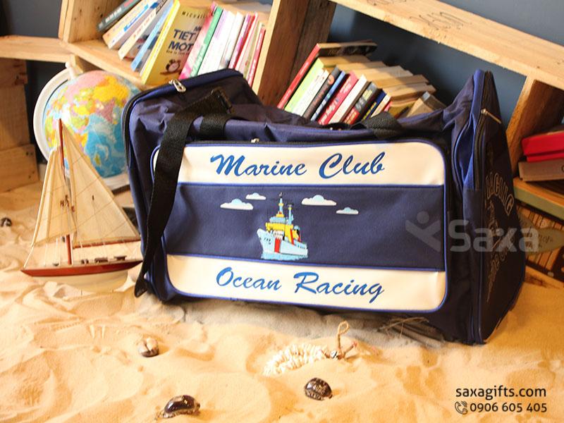 Túi du lịch quà tặng in logo Marine Club xanh đen phối trắng