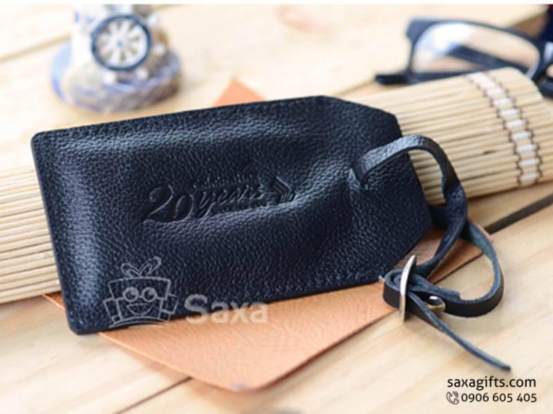 Thẻ đeo vali hành lý in logo da sần màu đen nắp đậy ngang