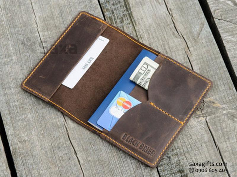 Ví passport da thật, kiểu gấp đôi - Ngăn ví đắp, hình cánh cung