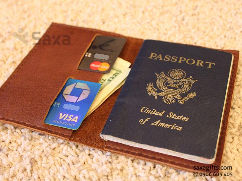 Ví passport da thật kiểu gấp đôi, ngăn ví mổ dọc độc đáo