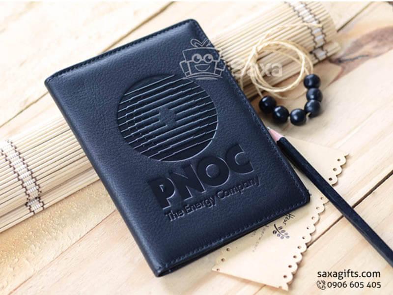 Ví passport in logo da thật màu đen của PNOC