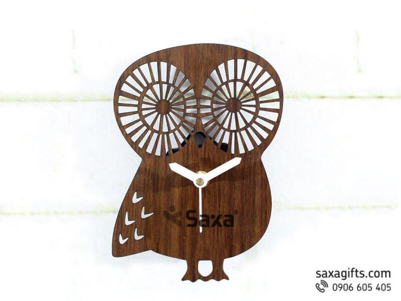 Đồng hồ gỗ quà tặng – Hình con cú mèo ngộ nghĩnh