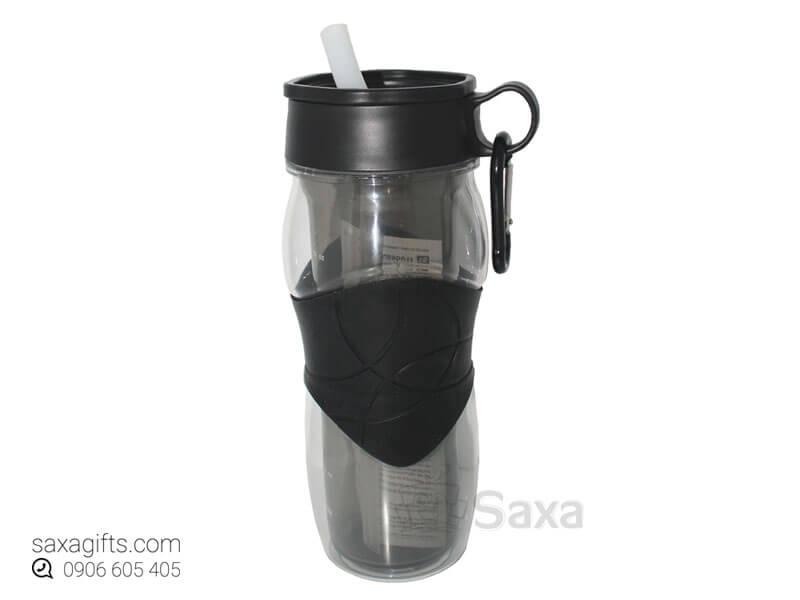Bình nước thể thao in logo có ống hút và khoen móc cầm tay
