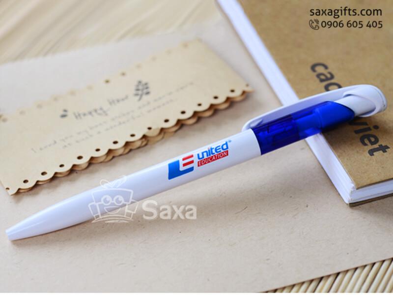 Bút bi nhựa in logo dạng bấm trắng phối xanh dương