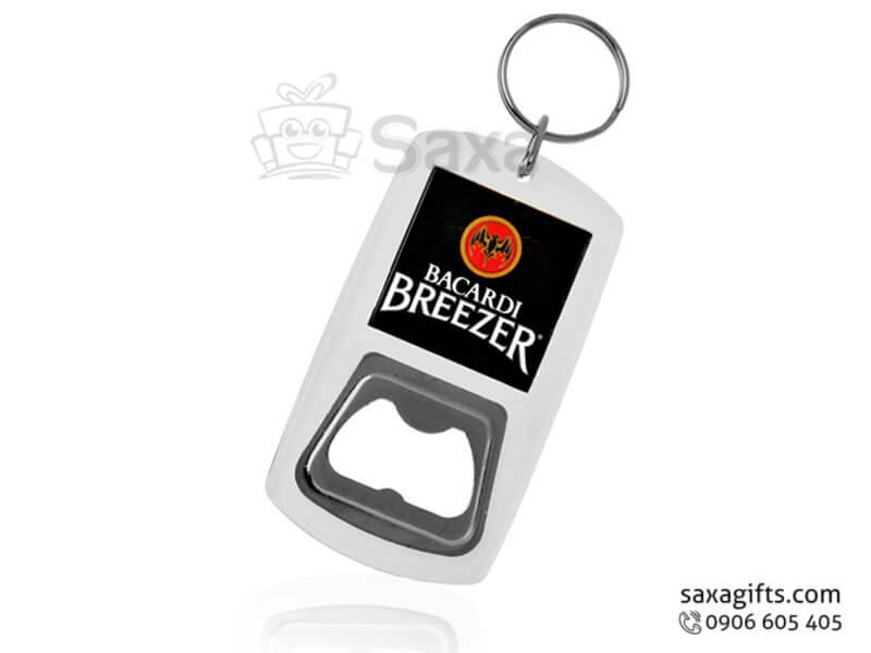 Khui bia móc khóa in logo bằng mika nhỏ gọn