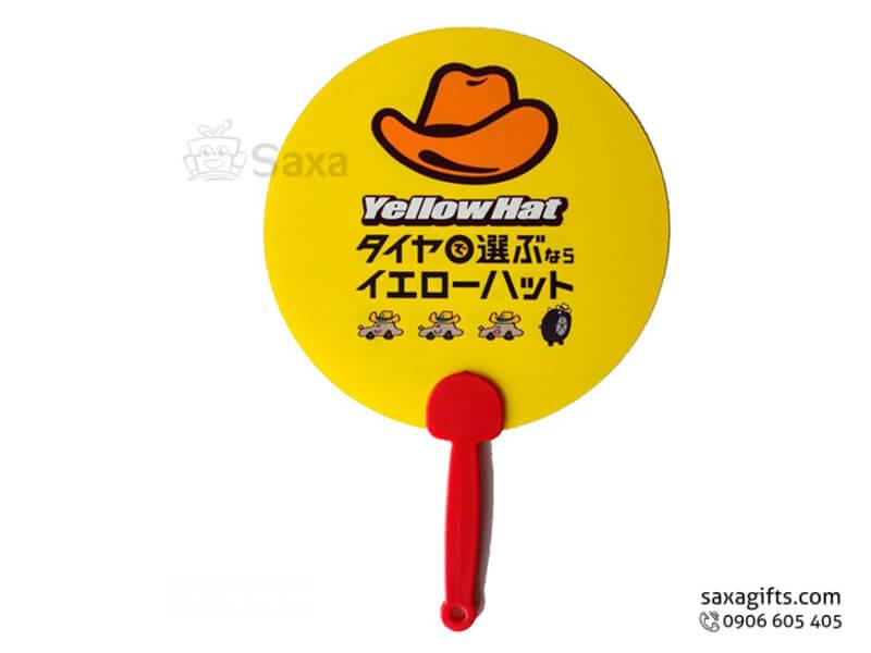 Quạt nhựa cầm tay in logo hình tròn của Yellow Hat