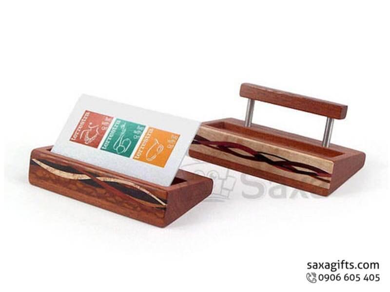 Hộp namecard gỗ in logo để bàn có họa tiết lượn sóng