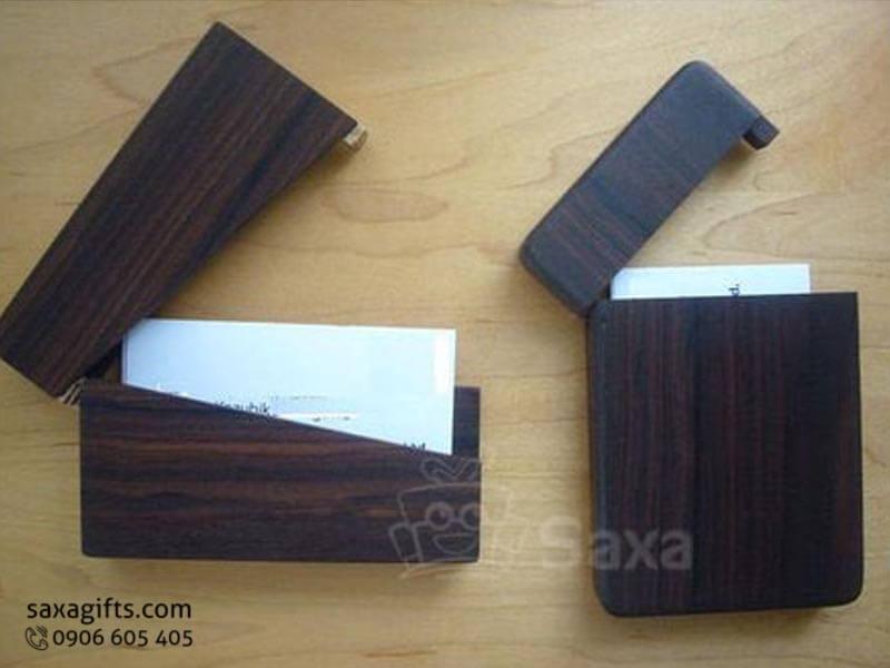 Hộp namecard gỗ in logo nắp bật cách điệu vân gỗ sang trọng