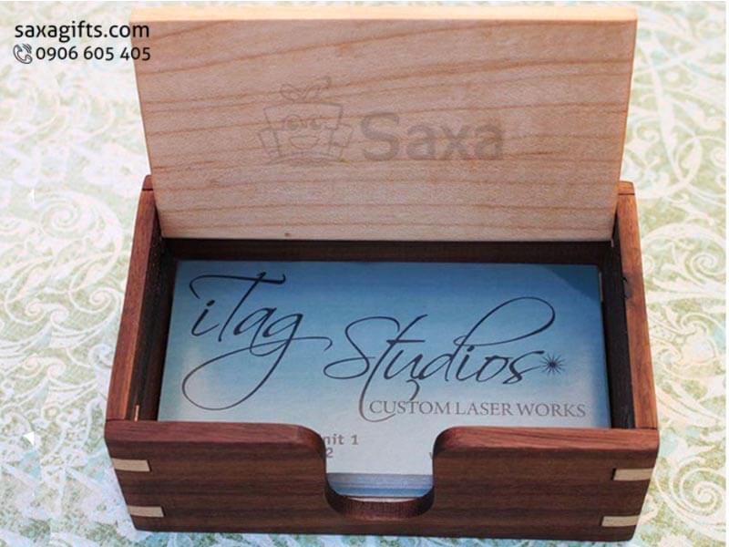 Hộp namecard gỗ in logo để bàn có nắp phối màu