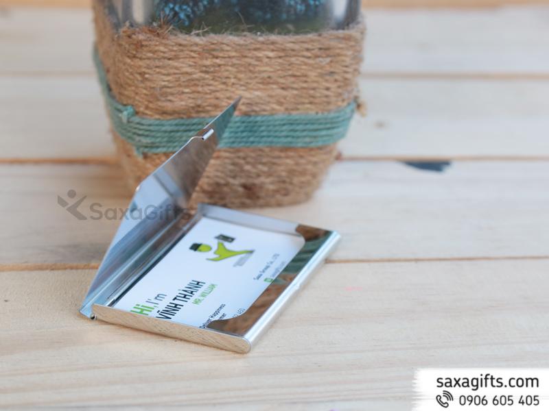 Hộp namecard kim loạinhám phối bản trơn