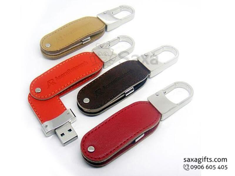 USB vỏ da in logo có móc khóa xoay 360 độ