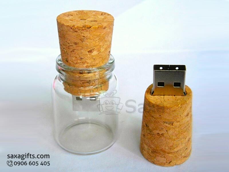 USB gỗ in logo nắp rời hình lọ thủy tinh gắn nút bần