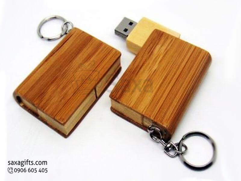 USB gỗ in logo có móc khóa xoay 180 độ hình hộp